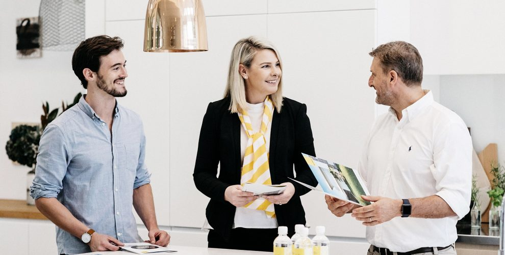 SELECTING A REAL ESTATE AGENT: TIPS AND TRICKS